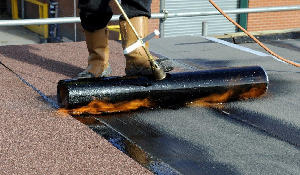 The Advantages Of Spray On Membranes V S Torch On Felt